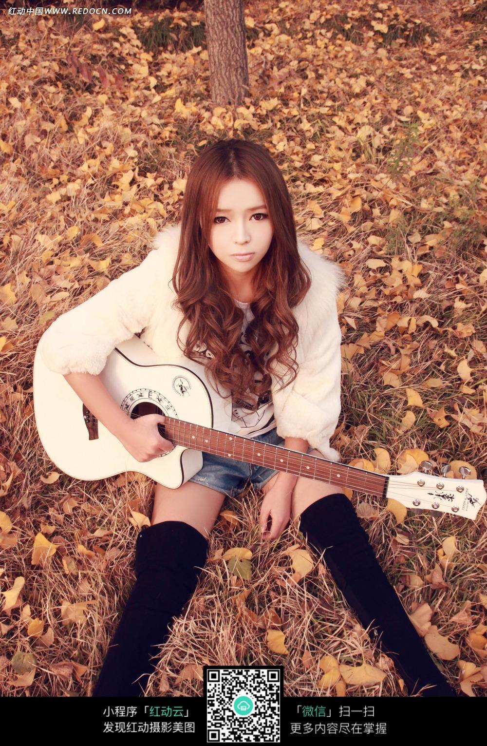 吉他美女写真