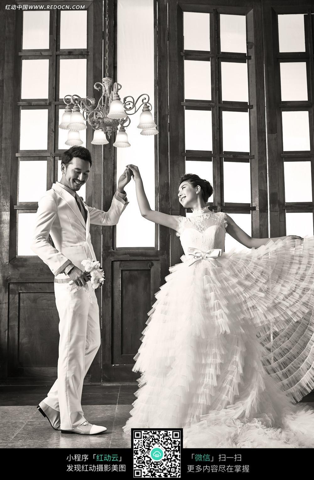 跳舞的情侣婚纱摄影