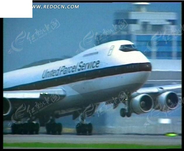 飞机起飞降落视频_飞机起飞下降视频-飞机起飞和降落时不允许开手机,为什么还要 ...