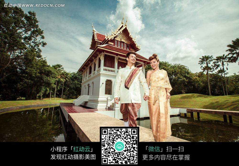 免费素材 图片素材 人物图片 新人情侣 牵着手的情侣婚纱摄影  请您分