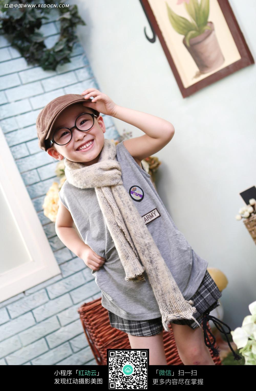 戴帽子的男孩写真摄影