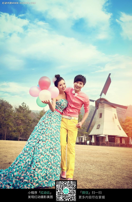 气球和情侣婚纱摄影