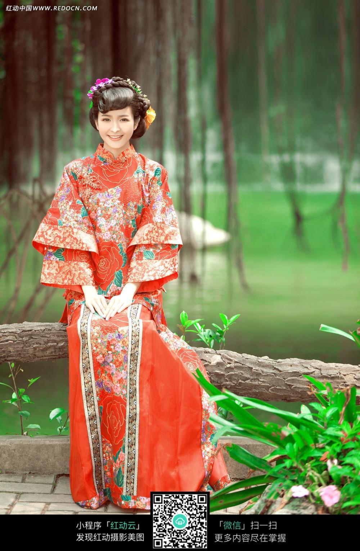 红衣古装美女婚纱摄影图片图片