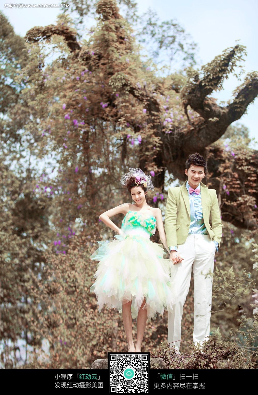 牵手的情侣婚纱摄影图片