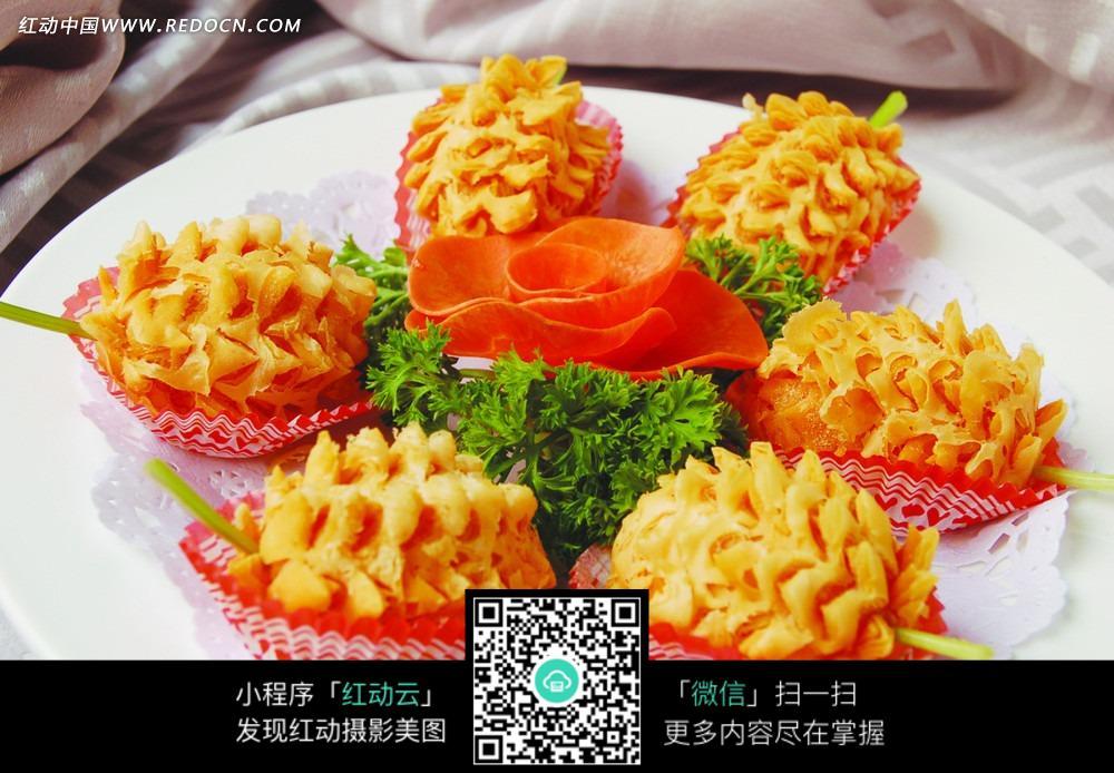 免费素材 图片素材 餐饮美食 中华美食 泰国榴莲酥装盘图片