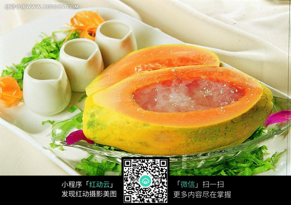 美味的木瓜炖雪蛤图片