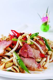 黄豆芽炒腊肉美食