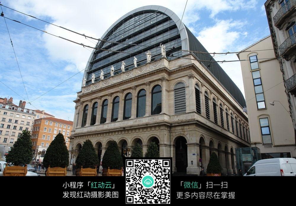 弧形顶欧式建筑
