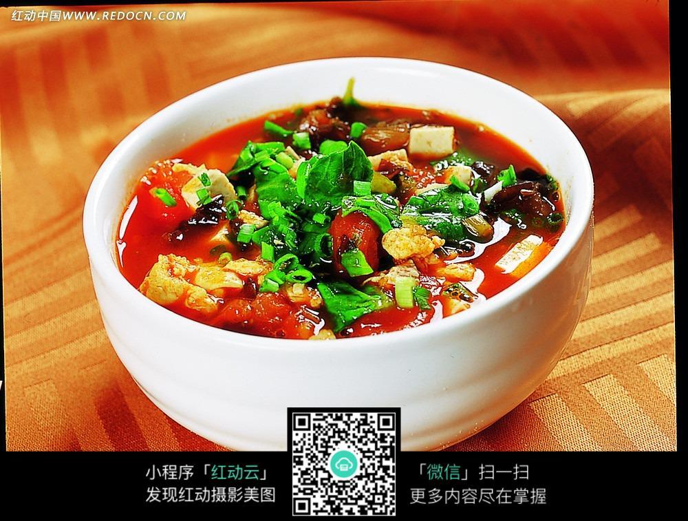 番茄酸味豆腐猪肝面盐腌白菜煮好后有鸡蛋可以吃吗?图片