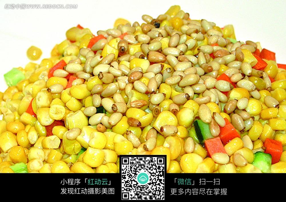 松仁玉米粒图片