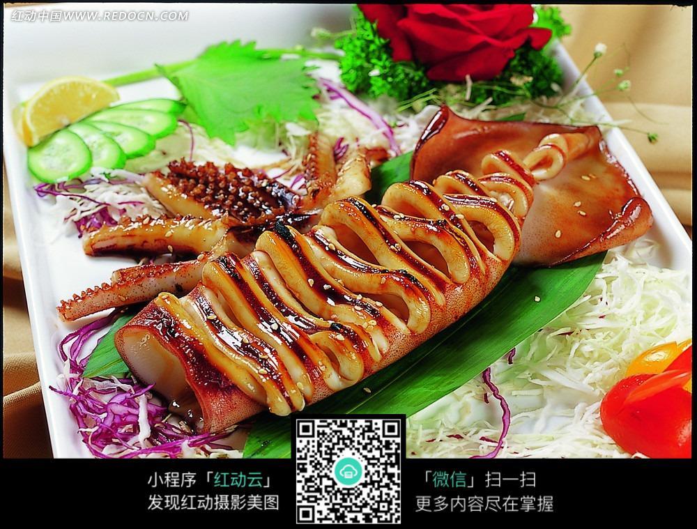汁烧鱿鱼筒美食_中华图片美食新疆的四个图片字图片