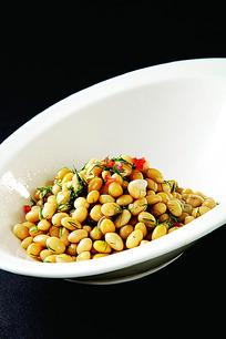 茴香黄豆的做法_茴香黄豆