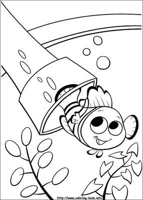 卡通护士彩色简笔画