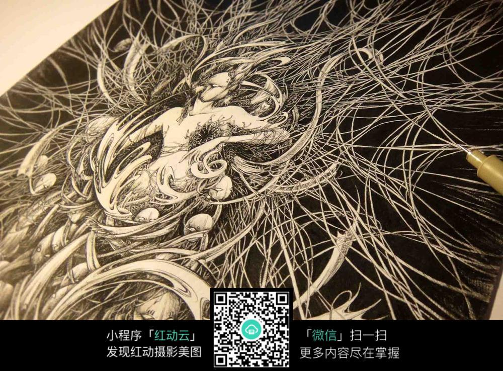 《痛》创意美女黑白针管白描画