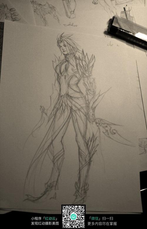 短发美女战士手绘线稿素材