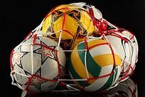 被网套住的足球高清图
