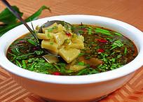 酸菜烩搅团