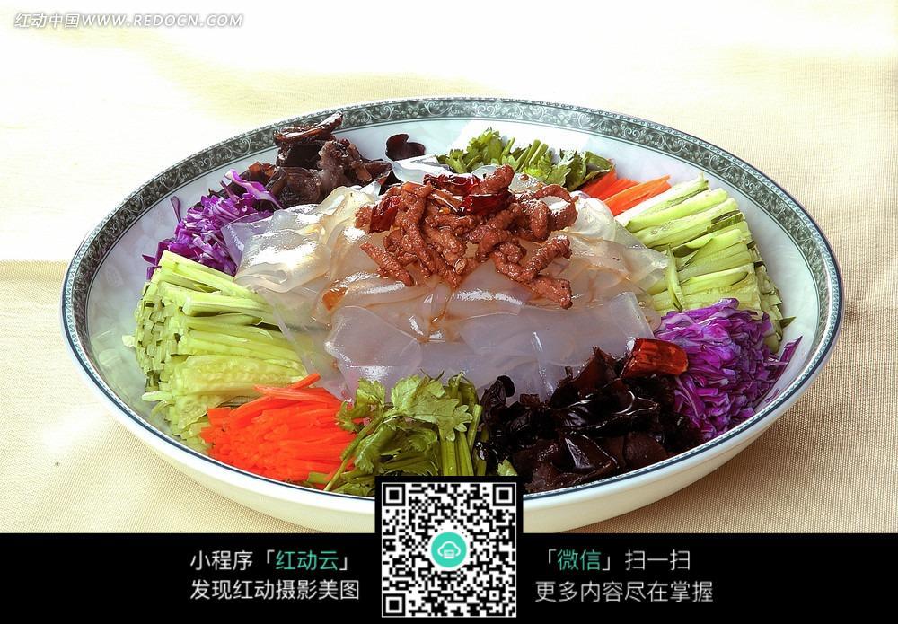 幼儿园肉炒拉皮图片