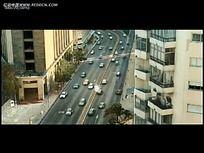 俯拍城市道路车阵视频
