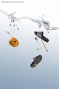 落水的拖鞋PSD素材