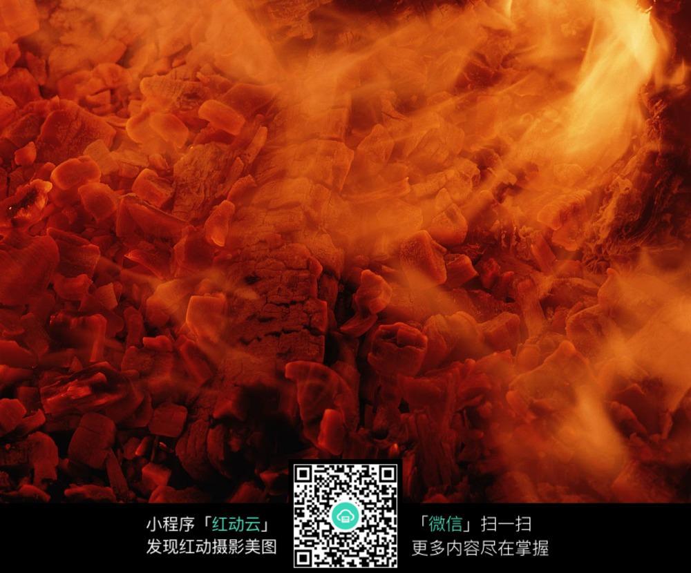 被火烧尽的木头图片