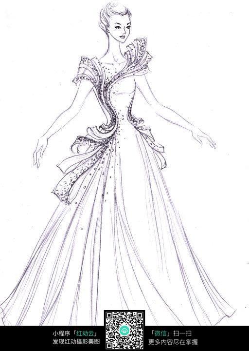 身穿晚礼服的美丽女子