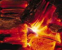 燃烧的木炭图片