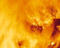 燃烧中的火光图片