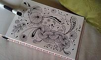 黑白手绘花纹装饰画