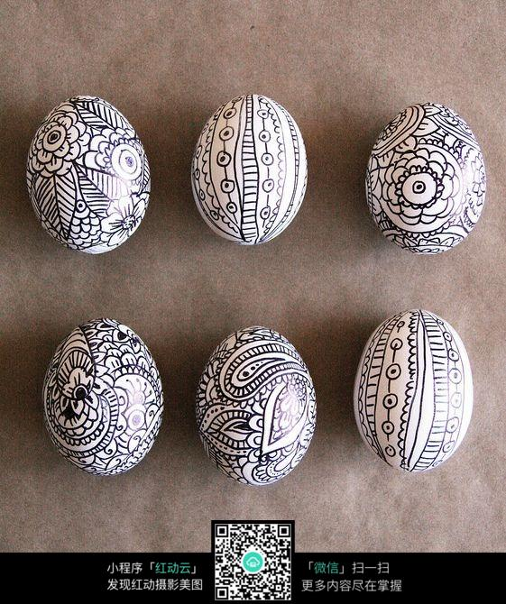 鸡蛋上的手绘插画