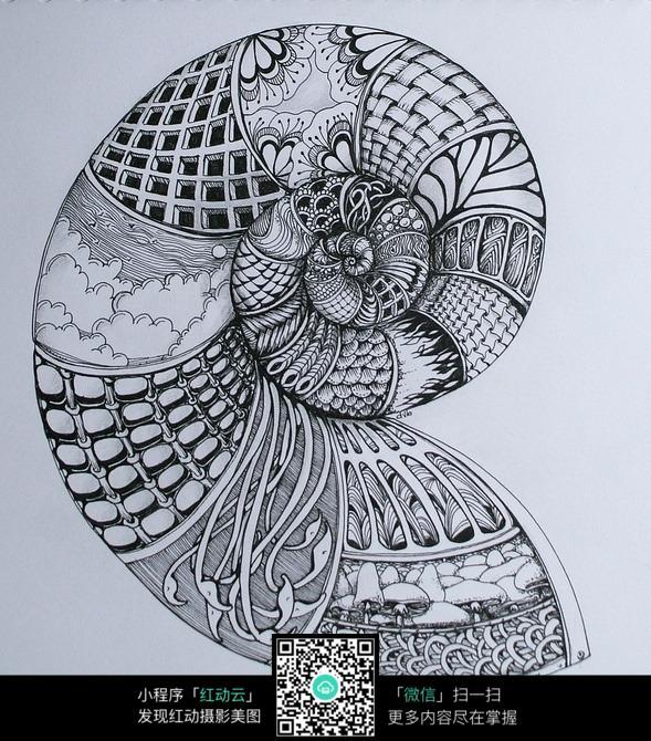 蜗牛形状创意手绘插画