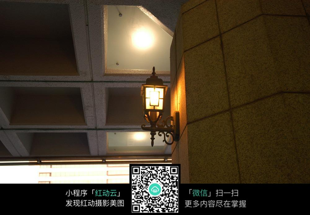 楼房五孔双控灯开关接线图