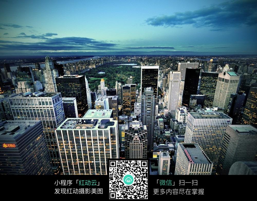 免费素材 图片素材 环境居住 城市风光 俯瞰城市全景  请您分享: 红动