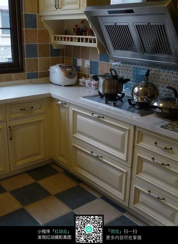 简约欧式厨房一角图片_室内设计图片