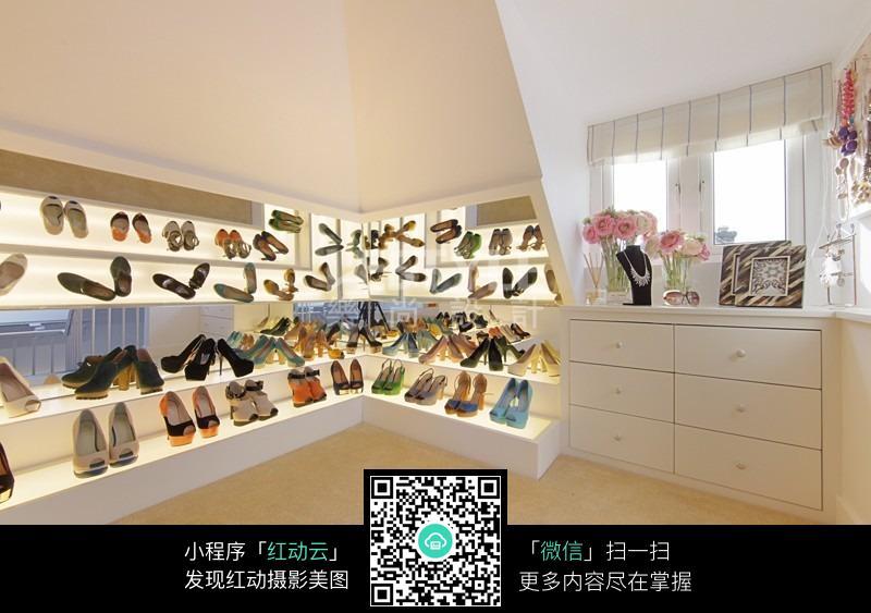 免费素材 图片素材 环境居住 室内设计 温馨唯美室内鞋架效果图片  请