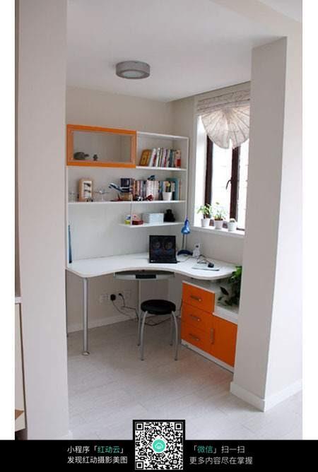 小巧创意的书房设计