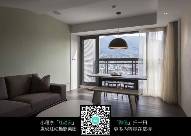 灰色简约阳台客厅室内装修效果图