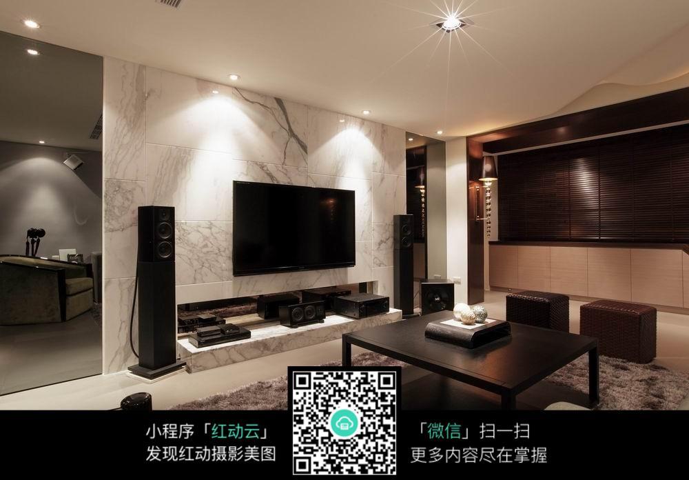 高端奢华的客厅装潢_室内设计图片