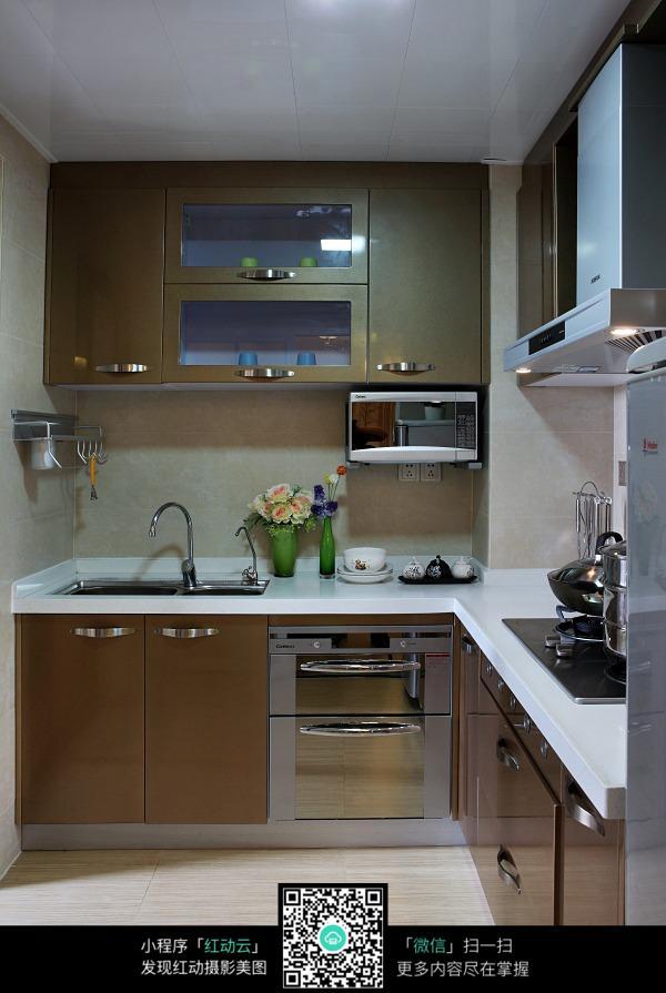 简单大方的厨房设计图片