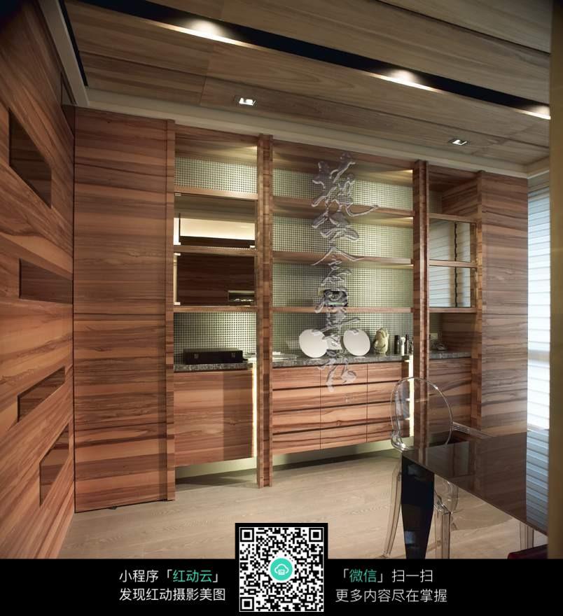 木制壁橱效果图_室内设计图片