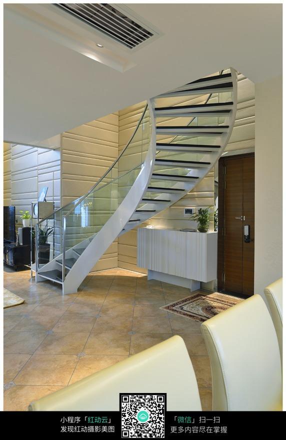 复式楼旋转材楼梯效果图图片