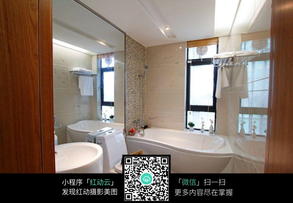 装修浴室效果图