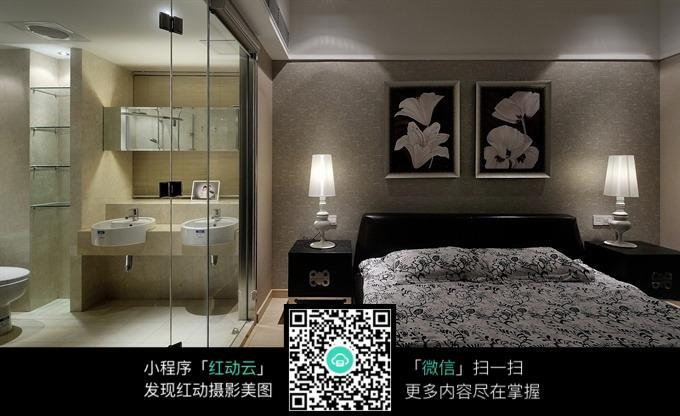 主卧卫生间玻璃门装修效果图图片