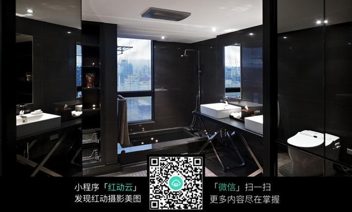 黑色雅致浴室室内装修效果图