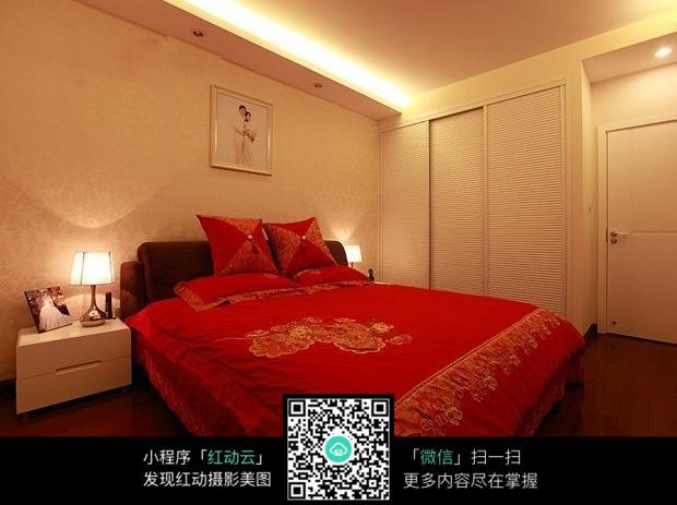 喜庆婚房卧室室内装修效果图