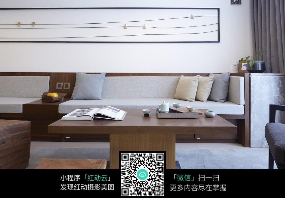 原木自然客厅室内装修效果图