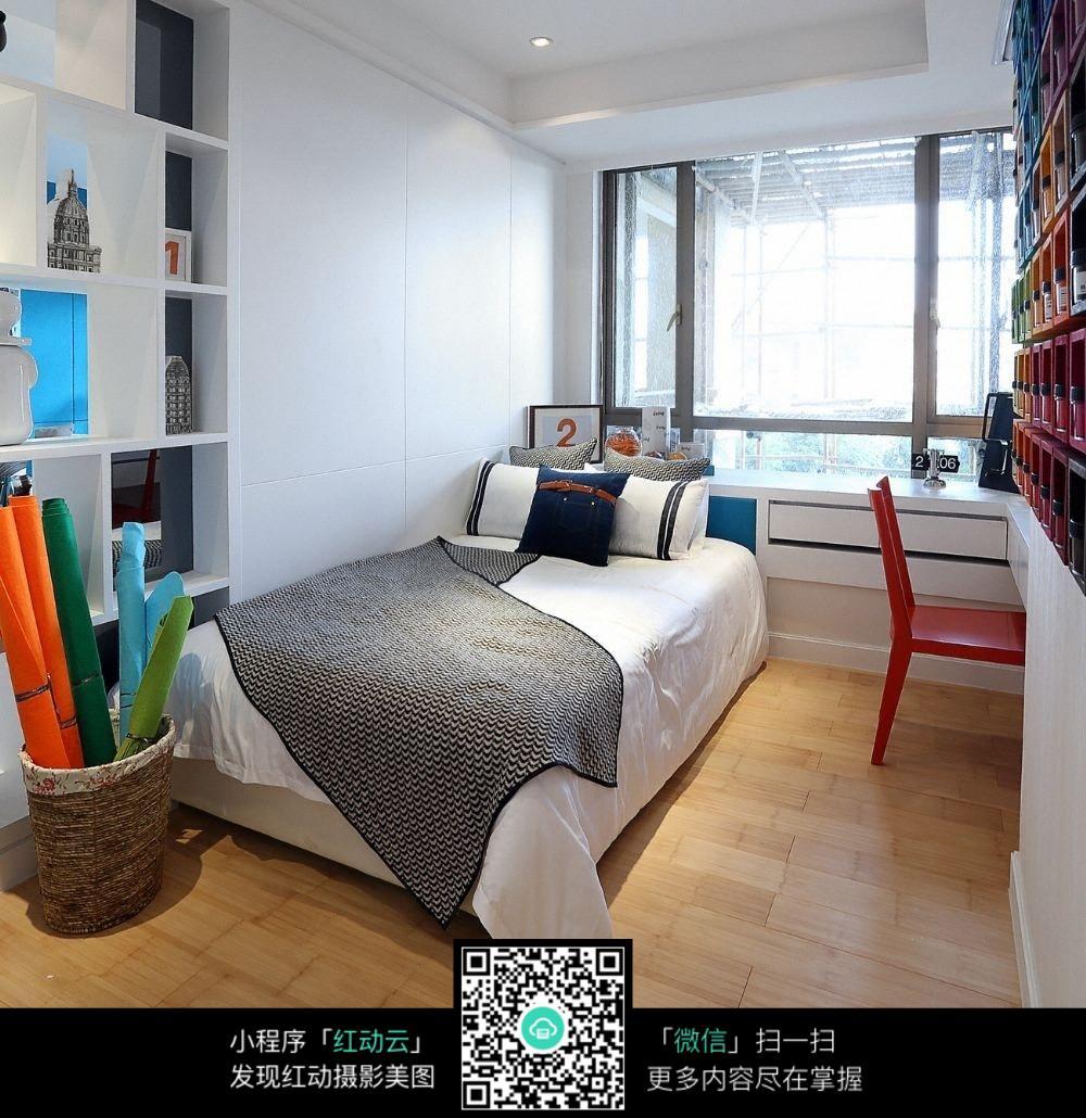 单人学生卧室装修设计效果图