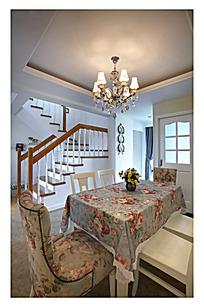 高档家居餐桌装饰设计