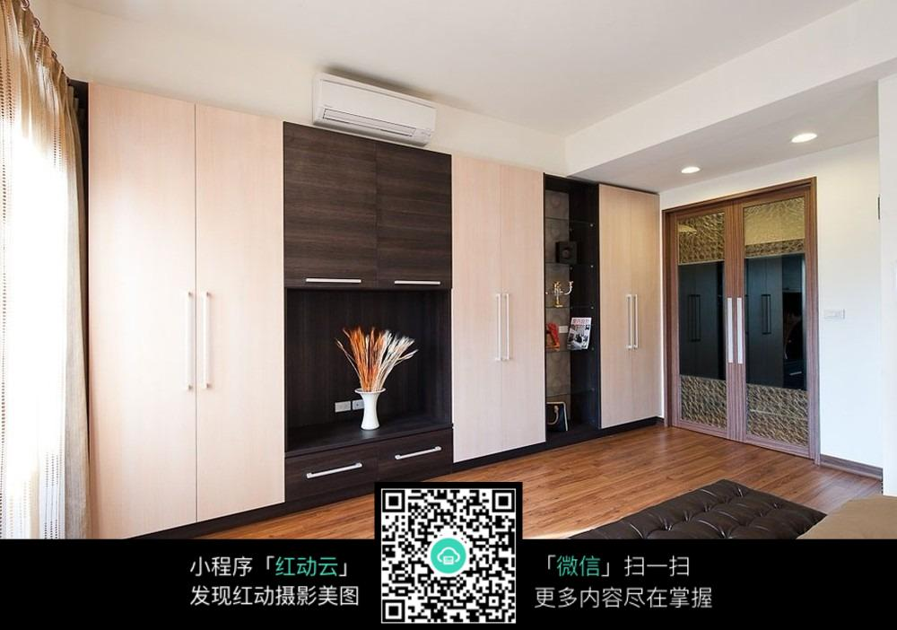 木质地板客厅室内装修设计效果图