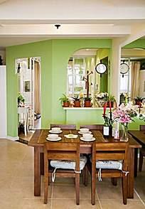 温馨家居装饰餐桌装饰